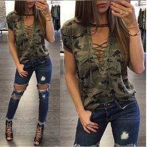 Camouflage T NWT